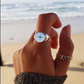 טבעת חותם עם חריטה