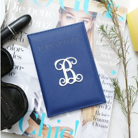 כיסוי דרכון עם אות- כחול